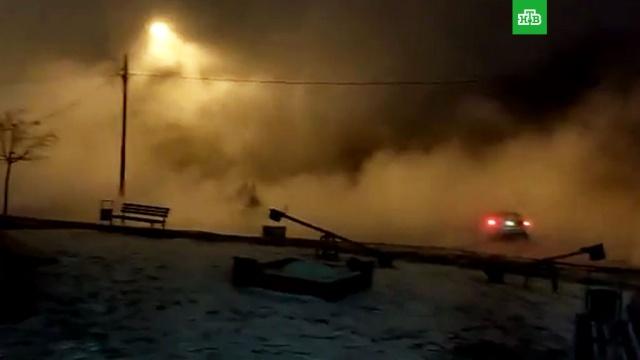 Иркутскую улицу Москвы залило горячей водой
