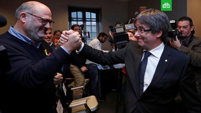Верховный суд Испании отозвал ордер на арест экс-главы Каталонии