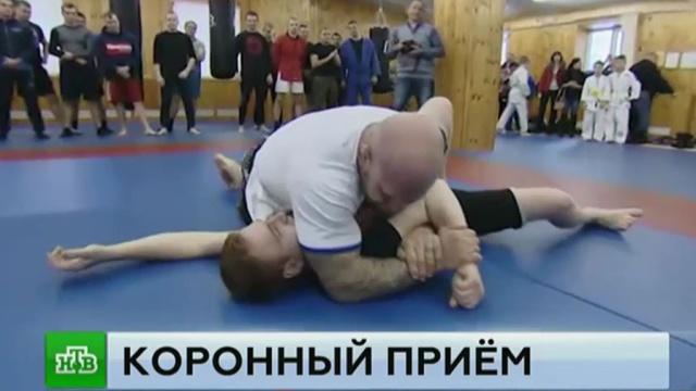 Корреспондент НТВ сразился с бойцом Джеффом Монсоном