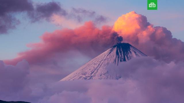 Шлейф пепла от вулкана Ключевский протянулся более чем на 90 км