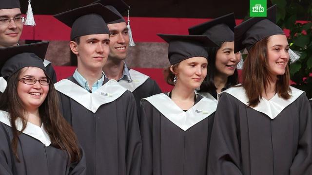 Путин пообещал сохранить бесплатное высшее образование в России