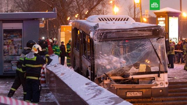 Следствие опровергло версию о неисправности автобуса, съехавшего в переход