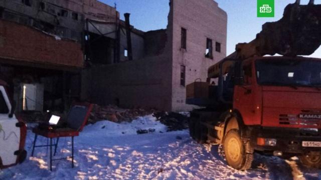 Тела двух человек обнаружены на месте обрушения здания в Копейске