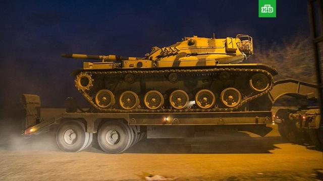 СМИ: Турция перебросила военную технику на границу с Сирией