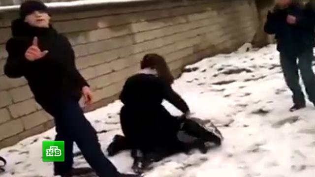 Дагестанские подростки сняли на видео избиение сверстницы