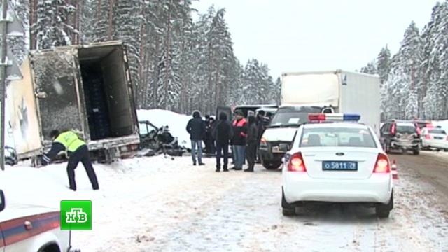 Владельца разбившегося под Петербургом минивэна с пассажирами проверяют следователи