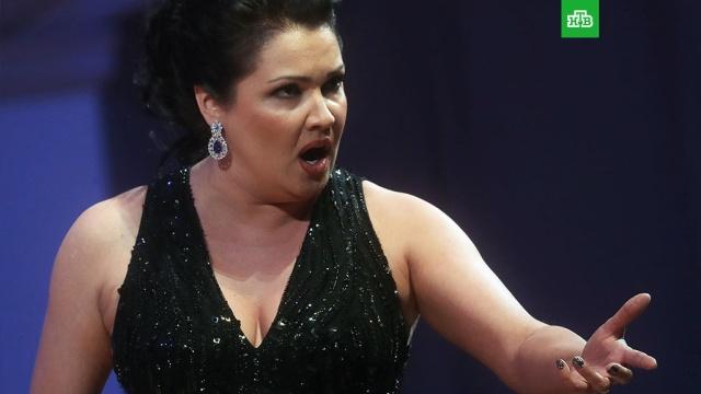 Нетребко возмутилась ценами на билеты на ее концерт в Москве
