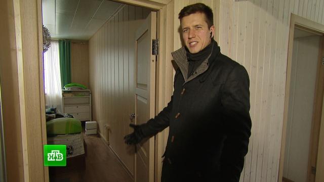 Неизвестные вынесли деньги и ценности из дома актера Дениса Косякова