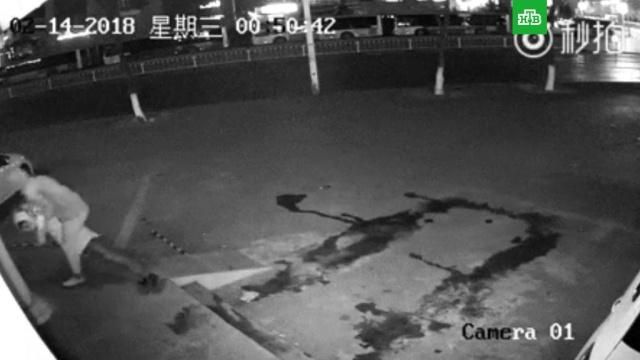 Китайская полиция опубликовала видео самого глупого ограбления в истории