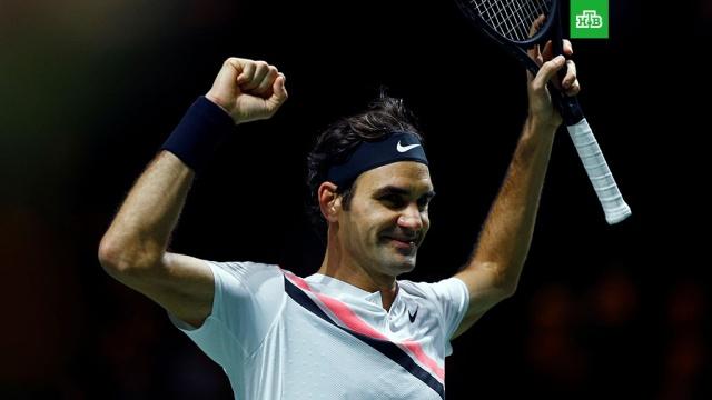Новый рекорд: Федерер вновь стал первой ракеткой мира в возрасте 36 лет