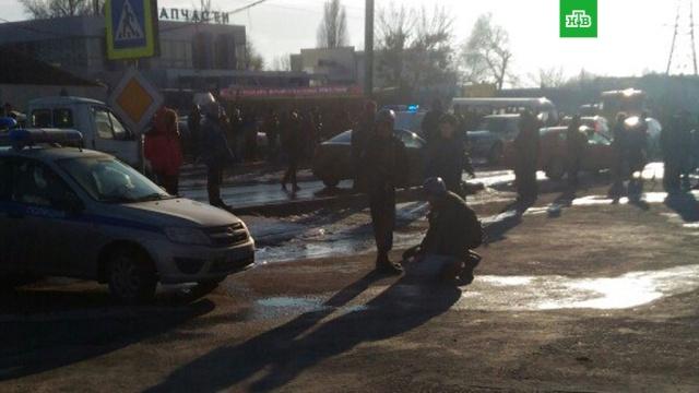 В Ростове-на-Дону мужчина с кинжалом напал на прохожих, есть пострадавшие