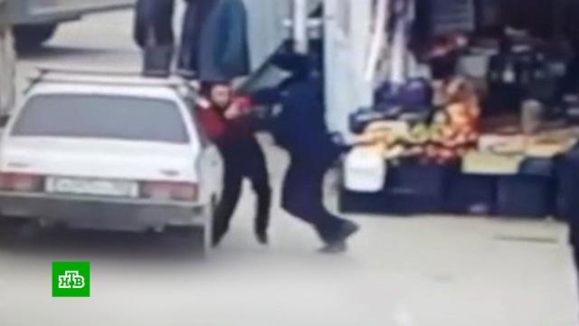 Полицейский избил школьника в Дагестане