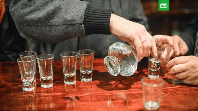Глава Росалкоголя рассказал о минимальной цене водки в 2018 году