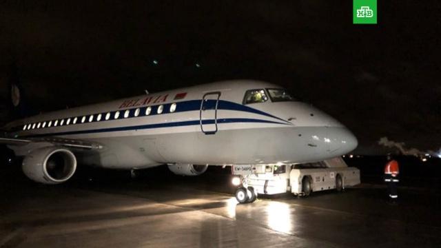 Самолет с неисправной стойкой шасси приземлился в Пулково