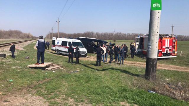 Электричка и микроавтобус столкнулись в Крыму: пятеро погибших