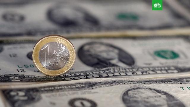 Евро и доллар обновили годовые максимумы