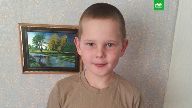 В Челябинске 9-летний мальчик спас упавшего в ледяной колодец друга