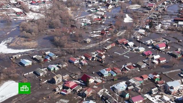 В Саратовской и Волгоградской областях поселки продолжают уходить под воду