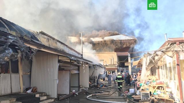 На Центральном рынке Нальчика огнем охвачены 3 тысячи квадратных метров