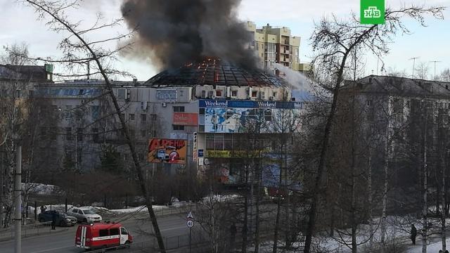Архангельские пожарные потушили возгорание в ТЦ Фокус