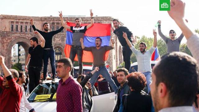 Армянская оппозиция вновь перекрыла дороги в Ереване