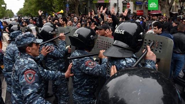 Полиция стягивает силы в центр Еревана, где проходит митинг оппозиции