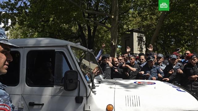В Кремле надеются, что противоборствующие стороны в Армении придут к соглашению