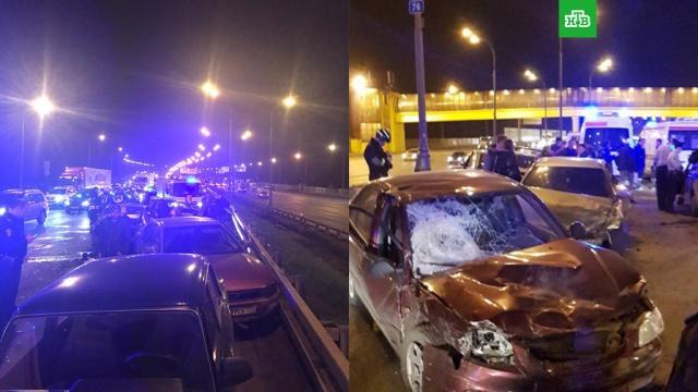 На севере МКАД столкнулись 7 автомобилей, есть пострадавшие