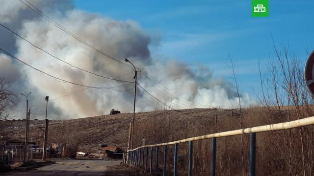 Под Нижневартовском тушат пожар на свалке