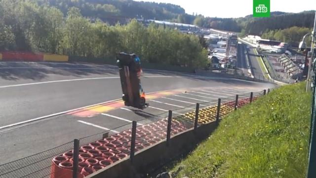 Автомобиль российского гонщика перевернулся на скорости 300 километров в час: видео