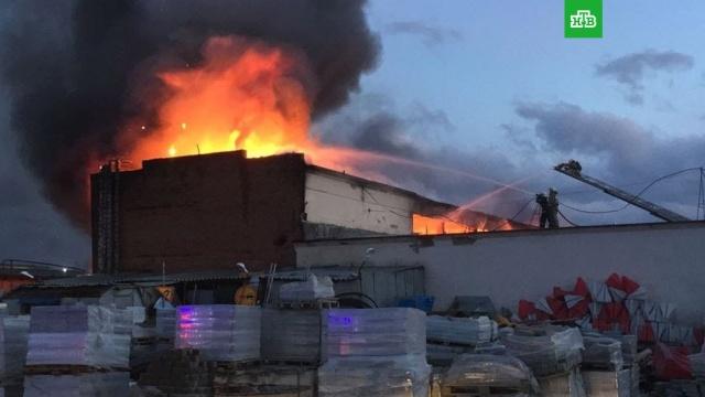 В Екатеринбурге потушен крупный пожар