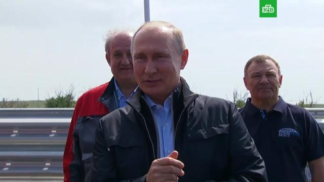 Путин уверен в запуске грузовой части Крымского моста этой осенью