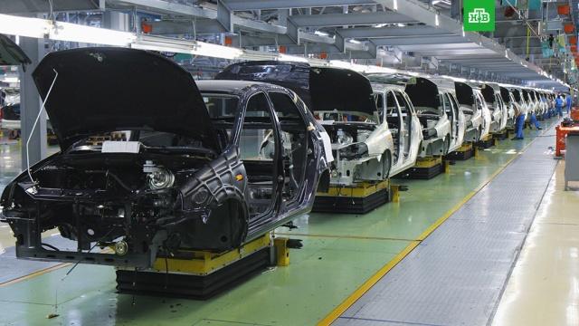 СМИ: АвтоВАЗ снимает с производства Lada Kalina и Lada Priora