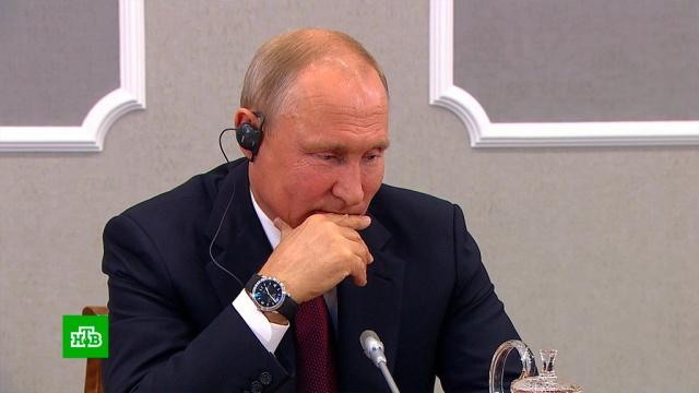 Путин заявил, что не намерен занимать пост президента более двух сроков подряд