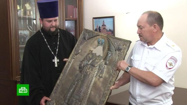 Тульским священникам вернули похищенный 30 лет назад оклад чудотворной иконы
