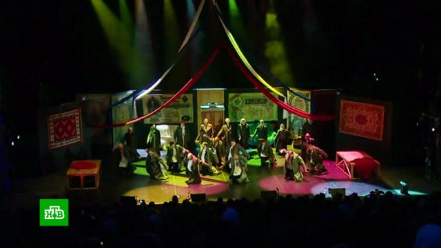 В усадьбе Толстого открылся международный театральный фестиваль