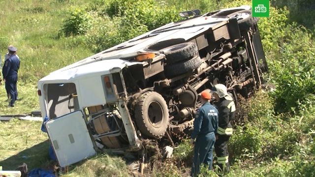 СМИ: скончался водитель автобуса, столкнувшегося с поездом под Орлом