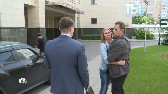 Могу в репу настучать: Вадим Казаченко прилюдно бросается на бывшую жену