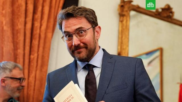 В Испании министр культуры подал в отставку спустя неделю после вступления в должность