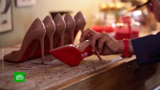 Christian Louboutin отстоял в суде исключительное право на красную подошву