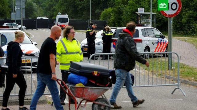 Полиция задержала водителя фургона, врезавшегося в пешеходов в Нидерландах