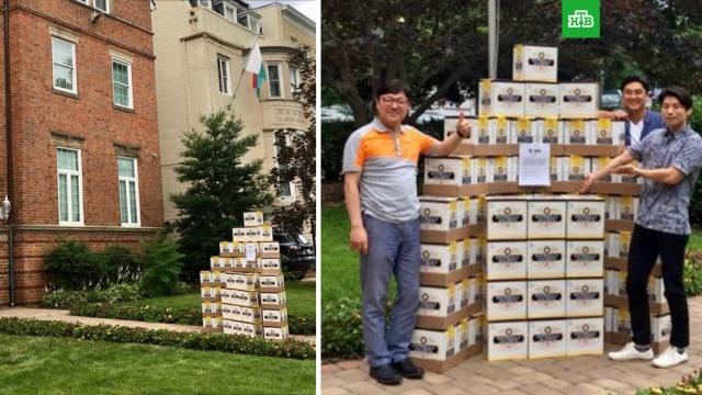Мексиканцы привезли пиво в посольство Южной Кореи за победу над Германией