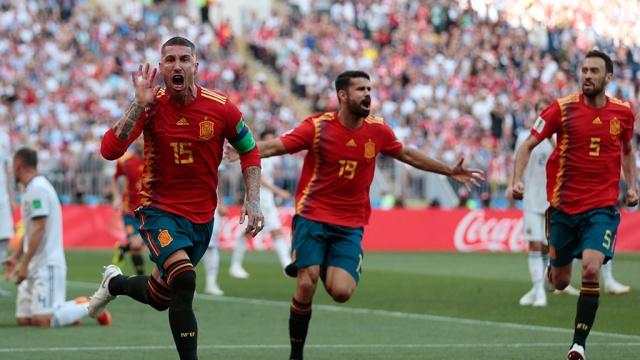 сборная испании открыла счет матче россией