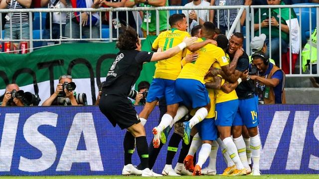 Бразилия одолела Мексику и пробилась в четвертьфинал ЧМ-2018
