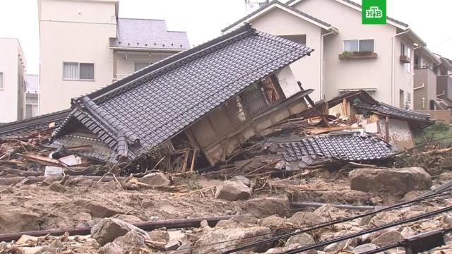В Японии возросло числе жертв наводнений и оползней