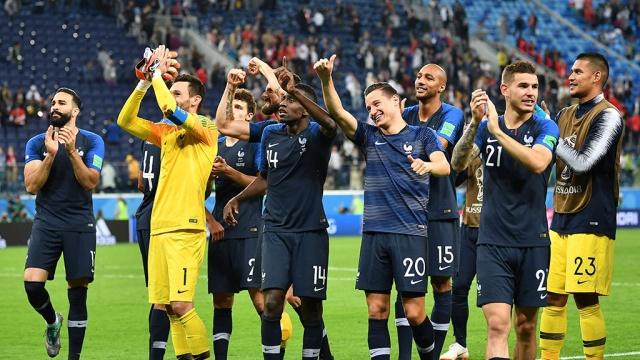 Путин поздравил Макрона с выходом Франции в финал ЧМ-2018